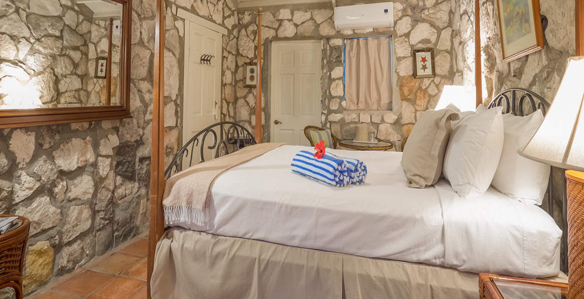 Travelers Palm Cottage